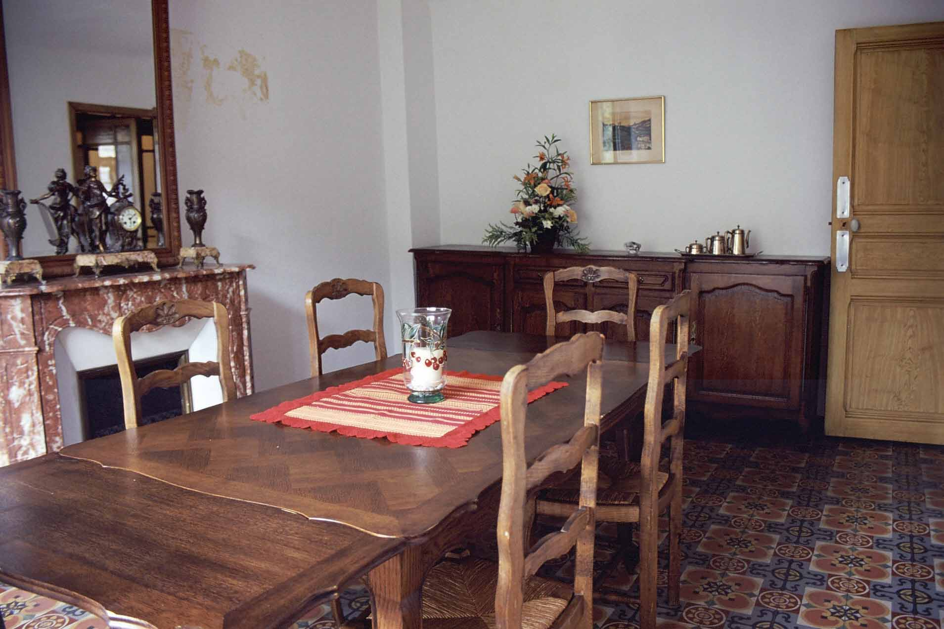 Salle manger for Table de salle a manger 15 couverts